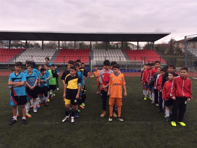Bartın'da Küçükler Futbol Şampiyonu Cumhuriyet Ortaokulu