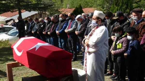 Komiser Yardımcısının Oğlu Cenazesinde Saf Tuttu