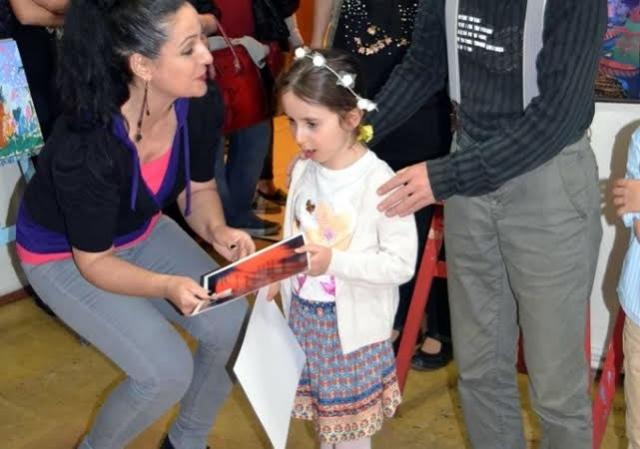 6 Yaşındaki Ressam Lena Deniz ZORCU İlk Sergisini Bartın'da Açtı