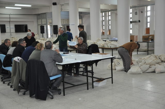 Bartın'da oylar yeniden sayılıyor
