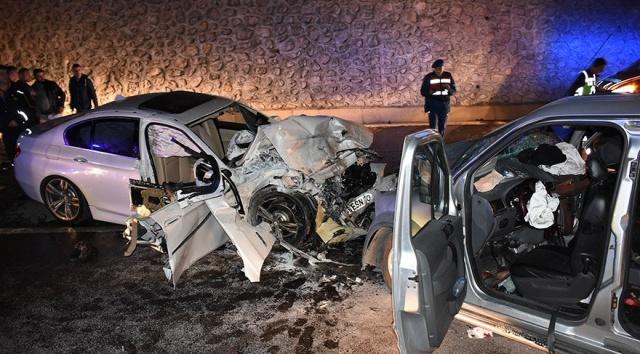 Bartın'da Otomobil ile hafif ticari araç çarpıştı: 2 ölü, 5 yaralı
