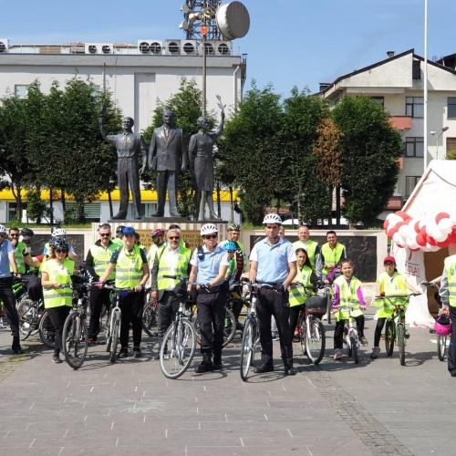 Bartın'da Bisikletli Polisten Bağımlılıkla Mücadeleye Tam Destek