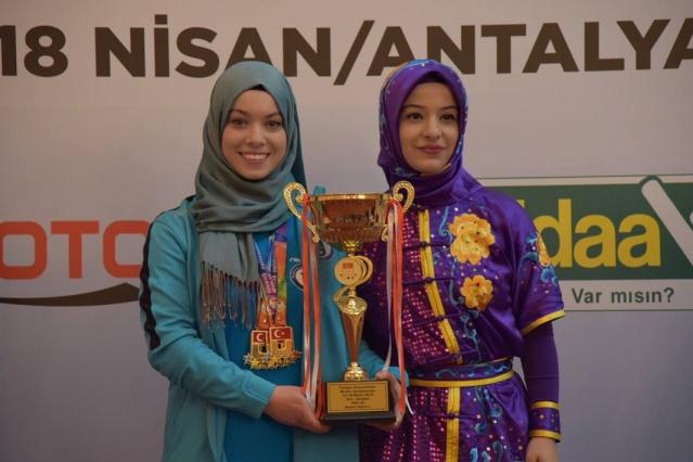Bartın Üniversitesi Öğrencisi Elif'ten 6 Madalya