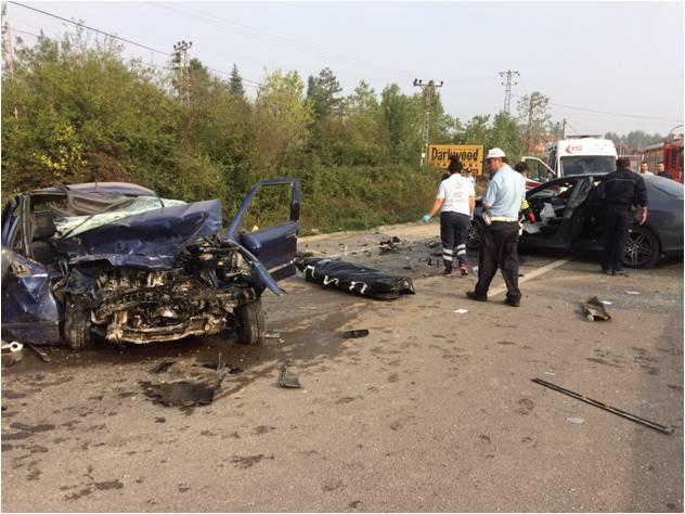 Bartın'da iki araç kafa kafaya çarpıştı: 1 ölü