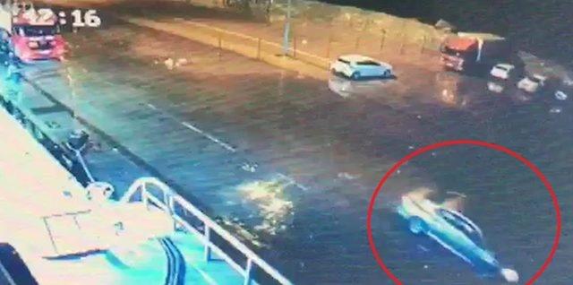 Amasra'da otomobil denize uçtu: 2 yaralı