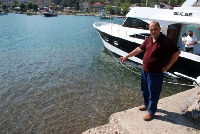 Bartın'da balıkçı barınağı kumla doldu