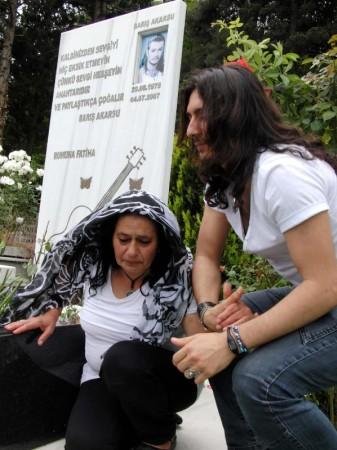 Barış Akarsu'nun annesine ziyaret