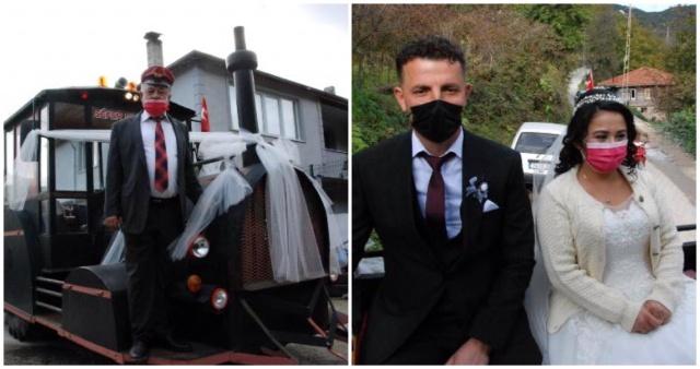 Bartın'da Lokomotif görünümlü traktör, gelin arabası