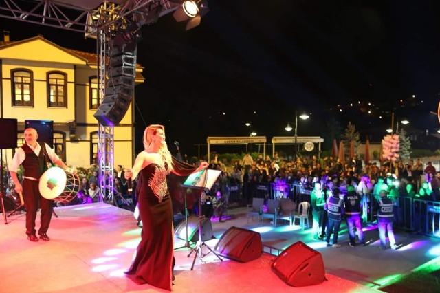 Pınar Dilşeker Bartınlılar'ı Coşturdu