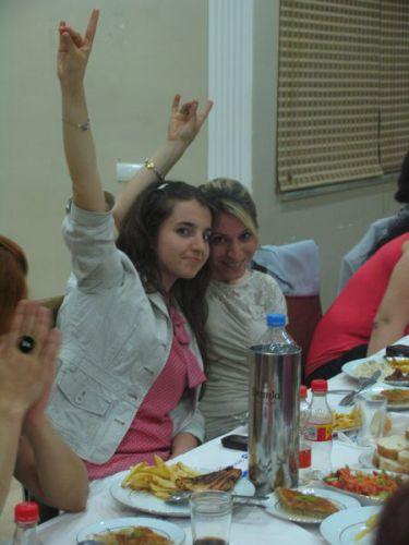 MHP Kadın Kolları'ndan dayanışma yemeği