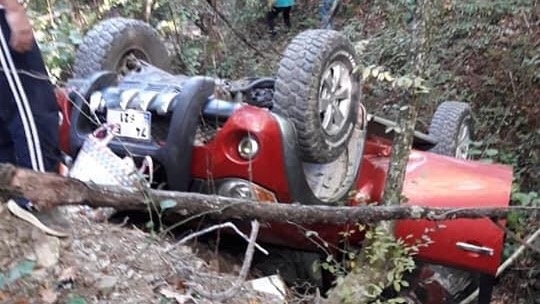 Bartın'da devrilen aracın sürücüsü öldü, eşi yaralandı