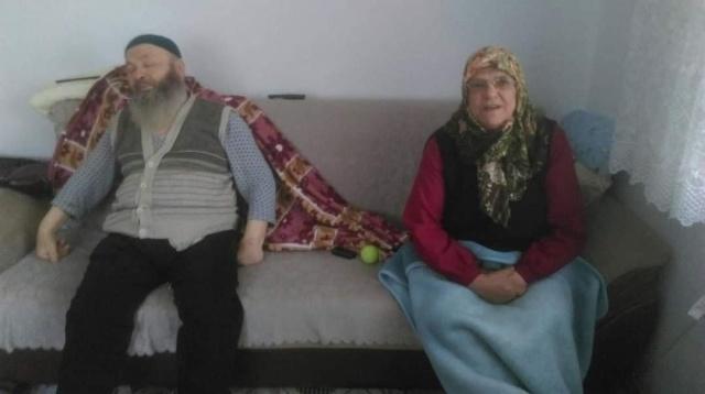 Bartınlı Yaşlı Çift Bir Gün Arayla Vefat Etti