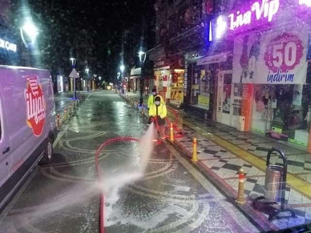 Bartın'da Caddeler Dezenfektan İle Yıkandı