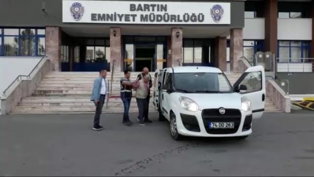 Bartın'da okul önünde iğrenç olay!