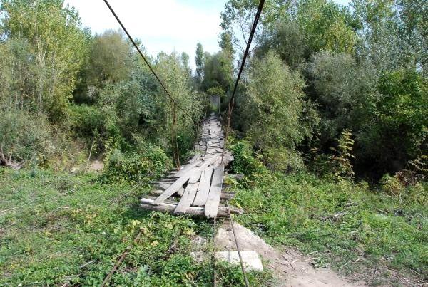 Bartın'da 4 köye ulaşım sağlayan köprü tehlike saçıyor