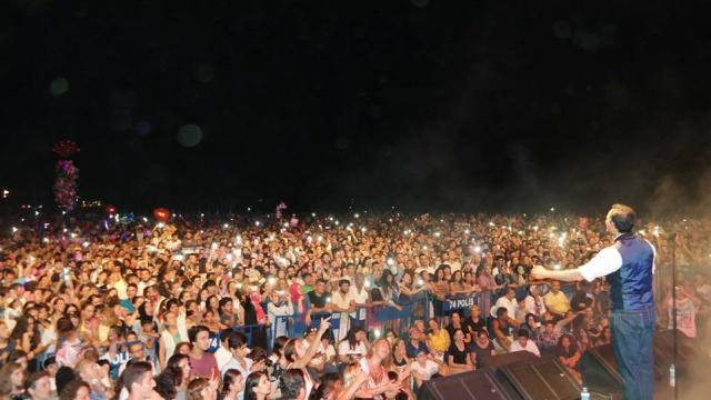 Rafet El Roman Bartın'da 30 Bin Kişiyi Coşturdu