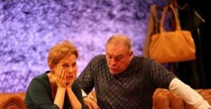 Zuhal Olcay, Aşk Halleri oyunuyla Bartın'da sahneye çıktı