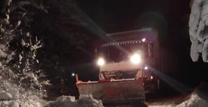 Bartın'da Kardan Kapanan Köy Yolları Açıldı