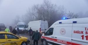 Bartın'da Buzlu yolda zincirleme kaza: 10 yaralı