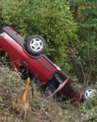 Yoldan çıkan araç takla attı