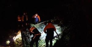 Bartın'da Otomobil şarampole devrildi: 1 ölü, 1 yaralı