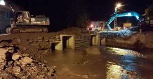 Bartın'da Selde Yıkılan Zafer Köyü Köprüsü ulaşıma açıldı