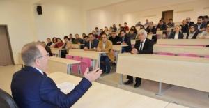 Bartın Üniversitesi Rektörü Orhan Uzun öğrenci ve akademisyenlerle biraraya geldi