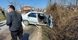 Bartın'da kamyonetle otomobil  çarpıştı: 1 ölü, 2 yaralı