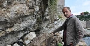 Amasra Kalesi'nin altındaki kayalıkta çökme