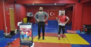 Bartın'da Evde Kalanlar İçin İnternetten Spor