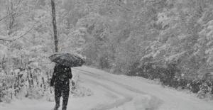 Bartın'da mevsimin ilk karı yağdı