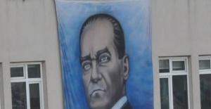 Bartın'da Atatürk posteri tepkisi