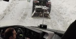 Bartın'da 25 yolcusuyla kayan yolcu otobüsü kurtarıldı