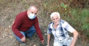 Bartın'da köylüler topraktan çıkan yanıcı gazın araştırılmasını istiyor
