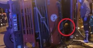 Bartın'da Feci Kaza: Şoförün Kolu Koptu