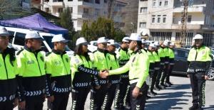 Bartın'da Trafik Polislerine yeni kıyafet