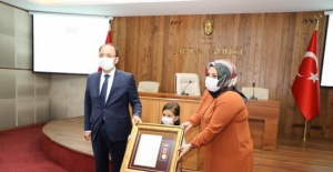 Bartın'da Şehit Eşine Devlet Övünç Madalyası
