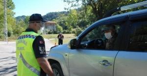 Karantinaya alınan köye giriş-çıkışlar kapatıldı