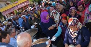 Kozcağız'da 1500 Kişiye Aşure