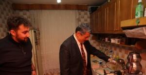 Bartın Belediye Başkanından Öğrenci Evine Sürpriz Ziyaret