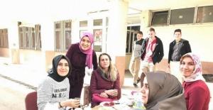 Bartınlı Lise Öğrencilerinden Mehmetçik için kermes