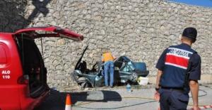 Bartın'da üstgeçitten uçan araçta 1 kişi öldü, 4 kişi yaralandı
