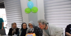 Bartın'da 90'lık Ninelere Sürpriz Parti