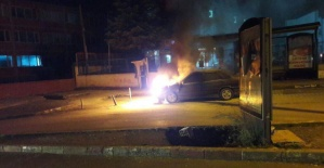 Bartın'da park halindeki araç yandı