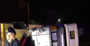Bartın'da Kamyon elektrik direğine çarptı:1 ölü