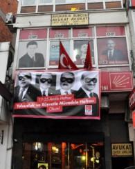17 Aralık Pankartı Kaldırıldı