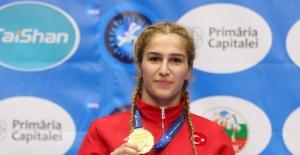 Bartın BESYO'lu Buse Dünya Şampiyonu