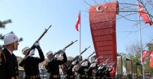Bartın'da Çanakkale Zaferinin 102. yıldönümü kutlandı