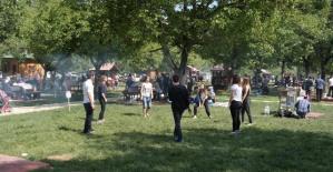 Bartın Karaçay Piknik Alanı Binlerce Kişiyi Ağırladı