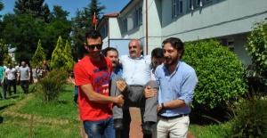Bartın'da Müdürü Havaya Attılar, Konvoyla Uğurladılar